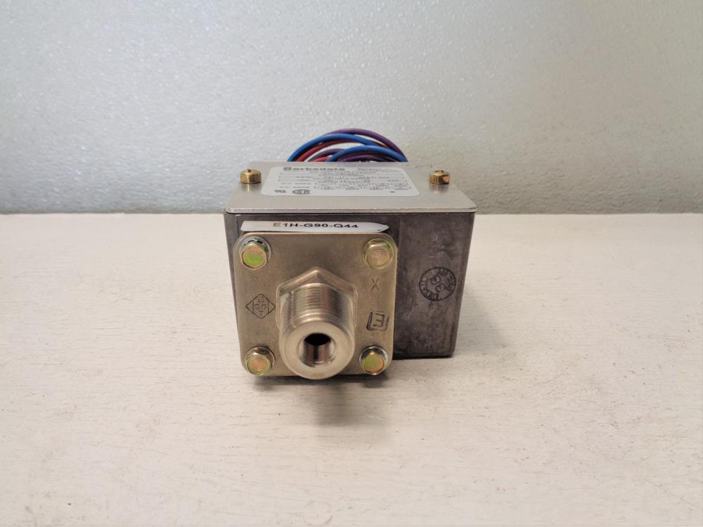 Barksdale Econ-o-trol Pressure Actuated Switch E1H-G90-Q44