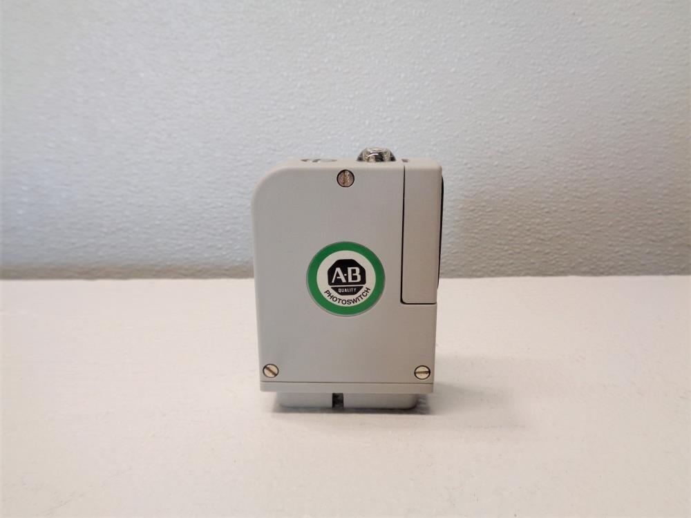 Allen Bradley Photoswitch Polarized Retro Photohead 42MRU-5200