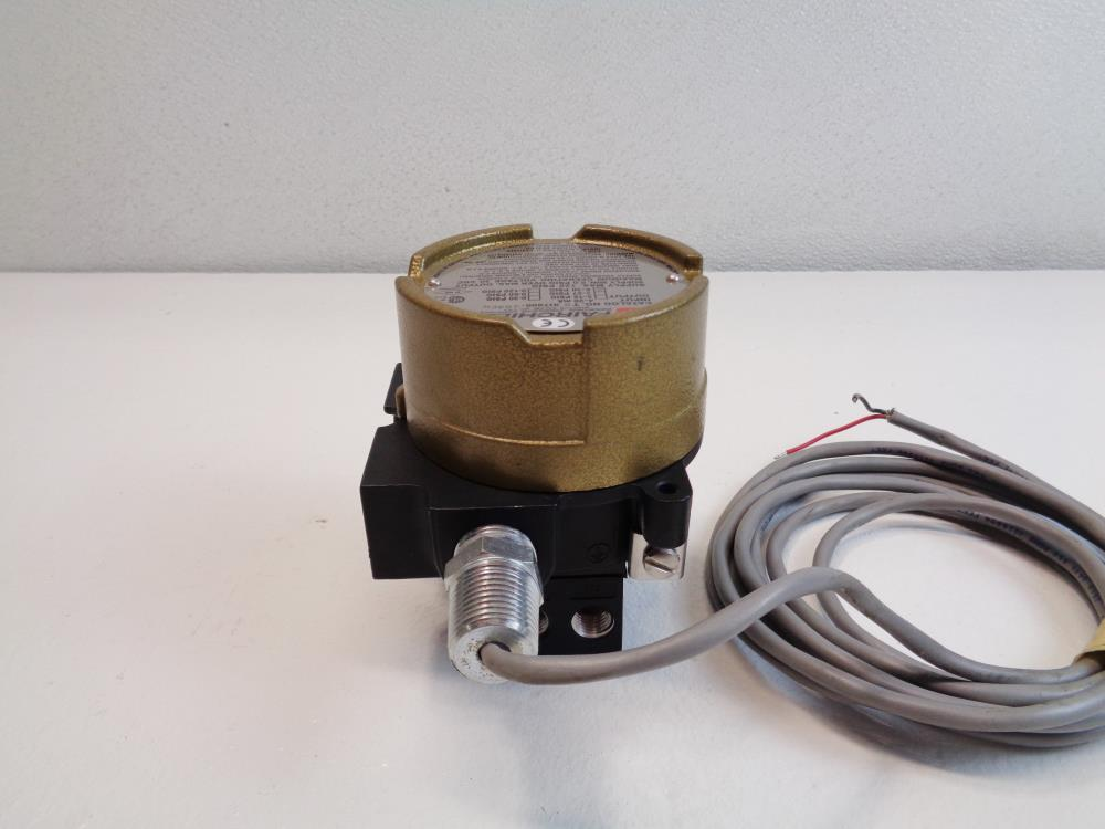 Fairchild Explosion-Proof I/P Transducer, 6 - 30 PSIG, TCX17800-403EN