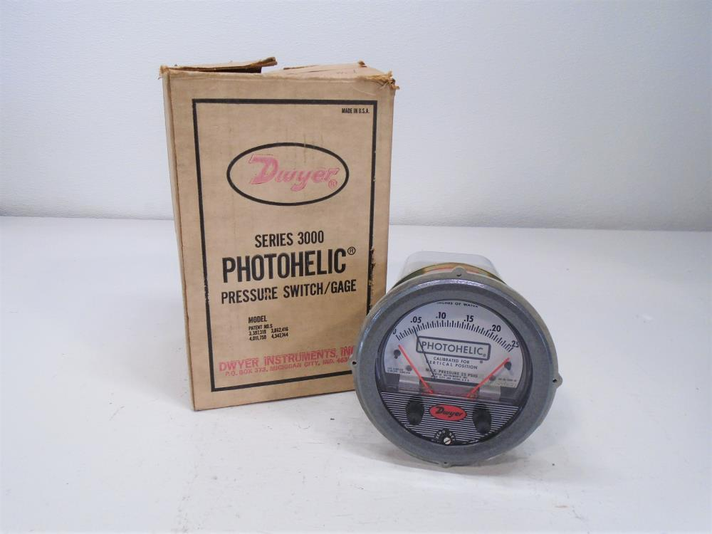 Dwyer 3000-00 Photohelic Pressure Switch Gage 0 - 0.25 IN H2O