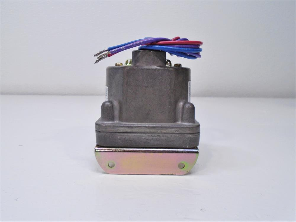 IMO Barksdale D1H-M3SS-P2 Pressure or Vacuum Actuated Switch