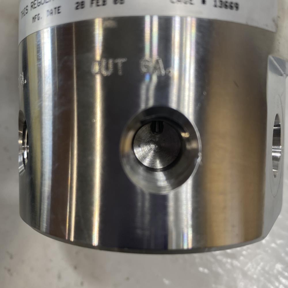 """Tescom 3/8"""" Pneumatic Pressure Regulator 6000 PSI Stainless Steel 44-1566D16A272"""