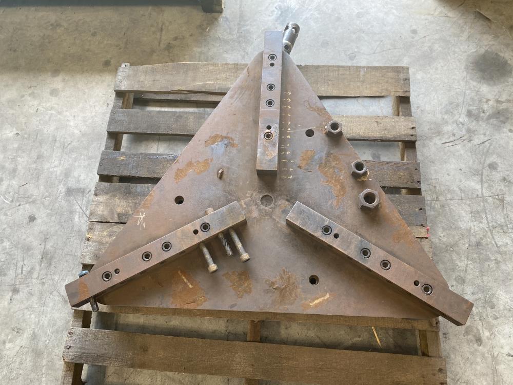 Pandjiris Model B Gripper, 3000 lb. Capacity