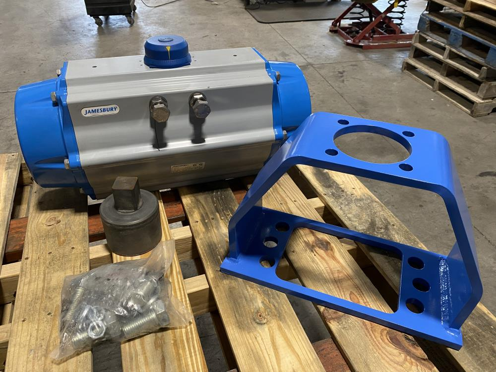 Jamesbury Valv-Powr Spring Return Pneumatic Actuator VPVL700SR6BD w/ Linkage Kit