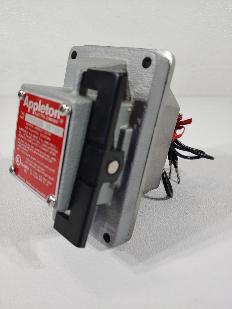 Appleton Push Button Rocker Switch for Hazardous Locations Cat# EFKRU2Q