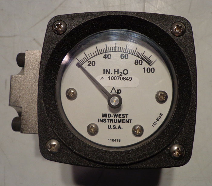 MID-WEST INSTRUMENT DIFFERENTIAL PRESSURE GAUGE 142SA-02-OO