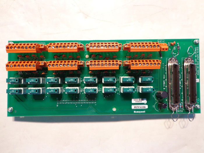 HONEYWELL 51204162-175 DIGITAL OUTPUT HD TERMINATION PCB CIRCUIT BOARD