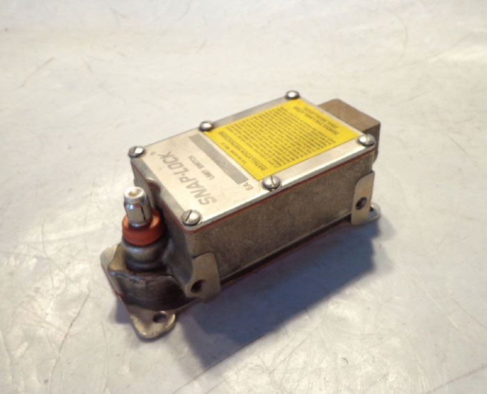 NAMCO SNAP LOCK LIMIT SWITCH EA180-34302