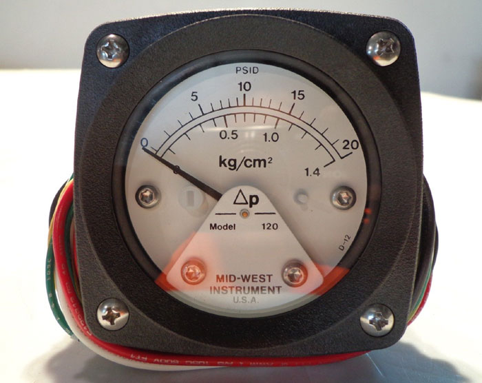 "MID-WEST INSTRUMENT ""FILTER MINDER"" ELECTRICAL GAUGE 120"