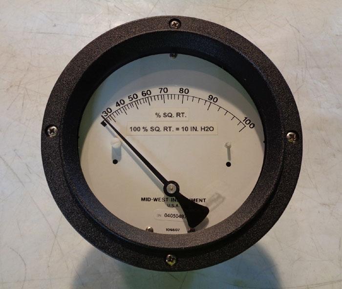 MID-WEST INSTRUMENT ANALOG PRESSURE GAUGE - MODEL 130SC-54-00