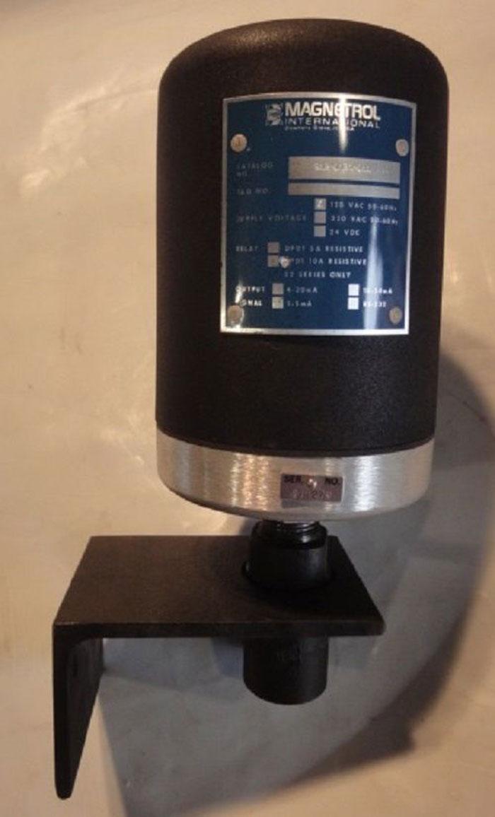 MAGNETROL ULTRASONIC LEVEL SWITCH 912-A1B0-A11