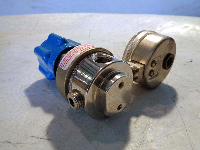 LINDE GAS REGULATOR -OR- UNION CARBIDE GAS REGULATOR SG 3810 300
