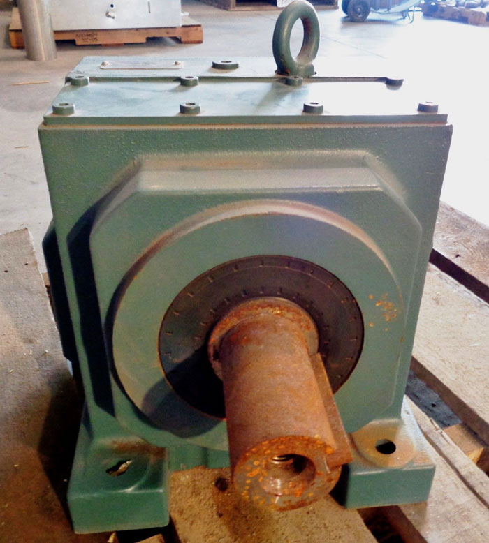DODGE QUANTIS INLINE HELICAL SPEED REDUCER GEAR BOX HB882CN180TC