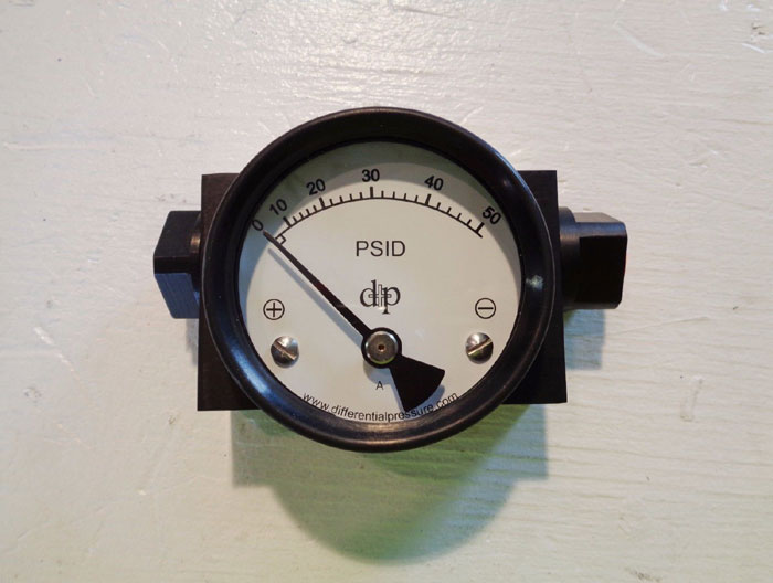 LOT OF (2) DIFFERENTIAL PRESSURE PLUS INC. PRESSURE SWITCH DPH200 : PGA25S4LB50P
