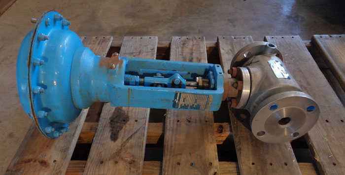 CONTROLS SOUTHEAST INC. STEAM JACKETED CONTROL VALVE W/ NELES-JAMESBURY ACTUATOR