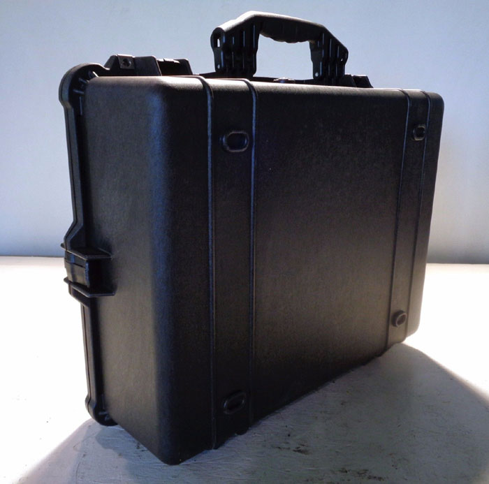 PELICAN SERIES 1600 BLACK WATERTIGHT PROTECTOR CASE W/ FOAM, #1600-000-110