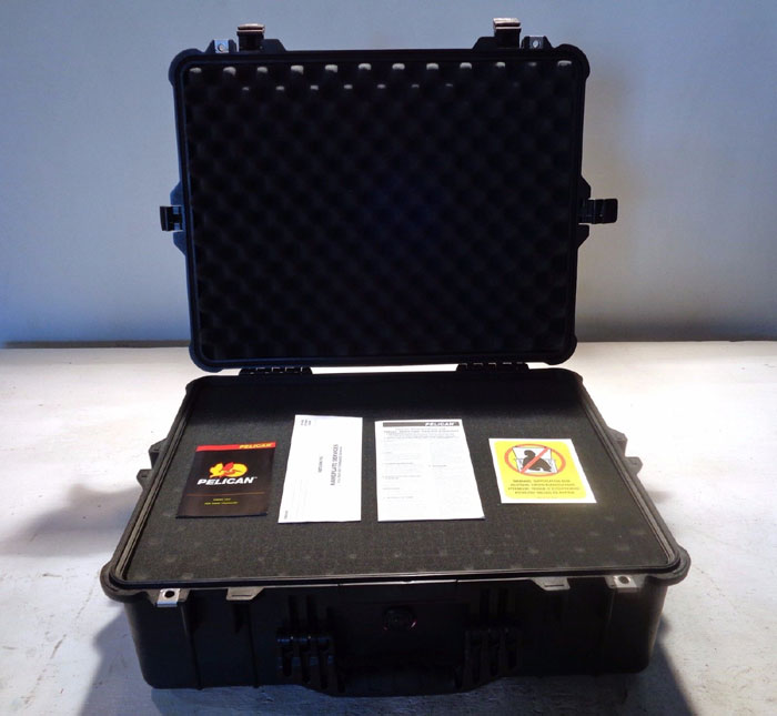 PELICAN SERIES 1600 BLACK WATERTIGHT PROTECTOR CASE W/ FOAM, #1600-000-110