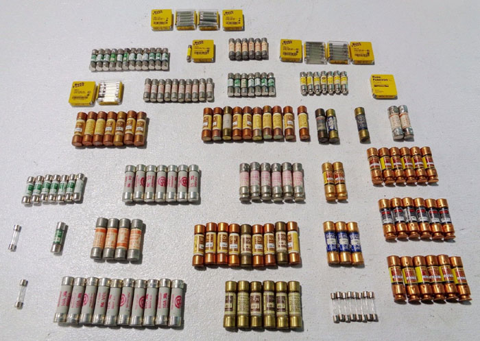 LOT OF (207) ASSORTED FUSES, LOW-PEAK, BUSSMANN, LITTEL, FUSETRON, GOULD SHAWMUT