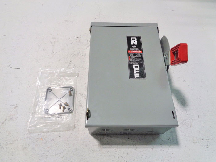 GE GENERAL ELECTRIC MODEL 10 HEAVY DUTY SAFETY SWITCH TH3361R  RAIN PROOF