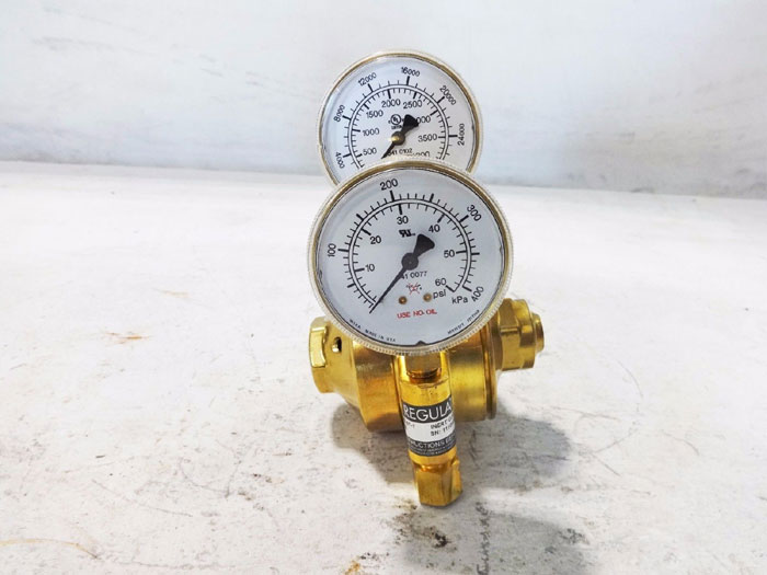CONCOA CGA 580 TWO STAGE GAS REGULATOR 8069403-01-1