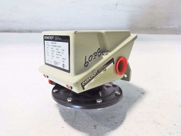 ASHCROFT SNAP ACTION DIFFERENTIAL PRESSURE SWITCH LDSN4GV25 XFM2C