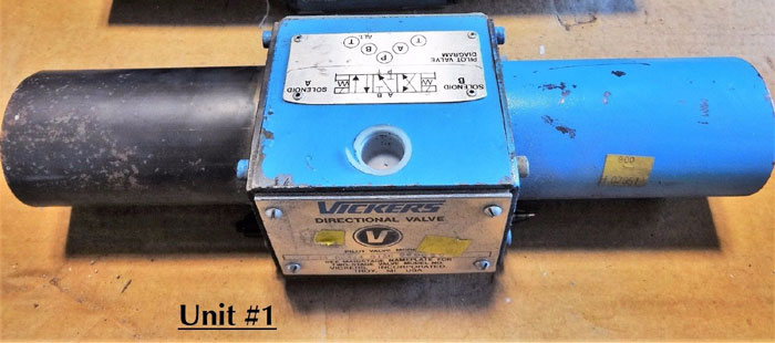 VICKERS DIRECTIONAL CONTROL VALVE W/ 24 VOLT SOLENOIDS DG4S4 013C 24DC 50