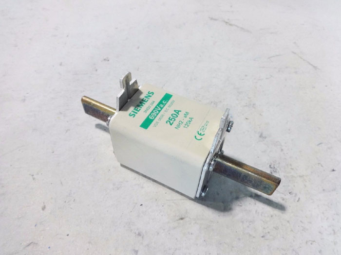 SIEMENS 690 VAC 250A FUSE AMP LINK 3ND2 244