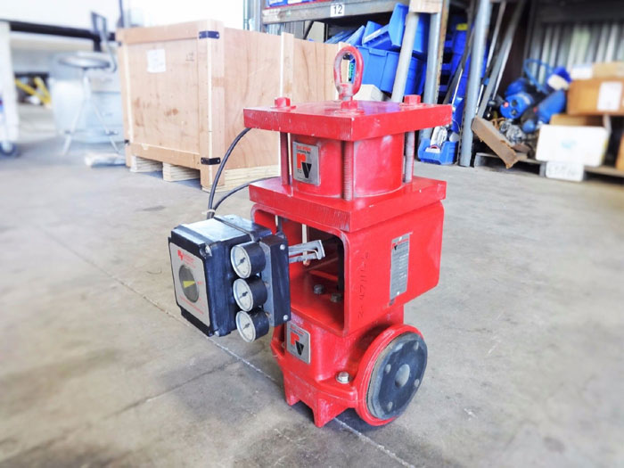 "RED VALVE 1.5"" CONTROL PINCH VALVE WITH ELECTRO-PNEUMATIC POSITIONER SERIES 5200"