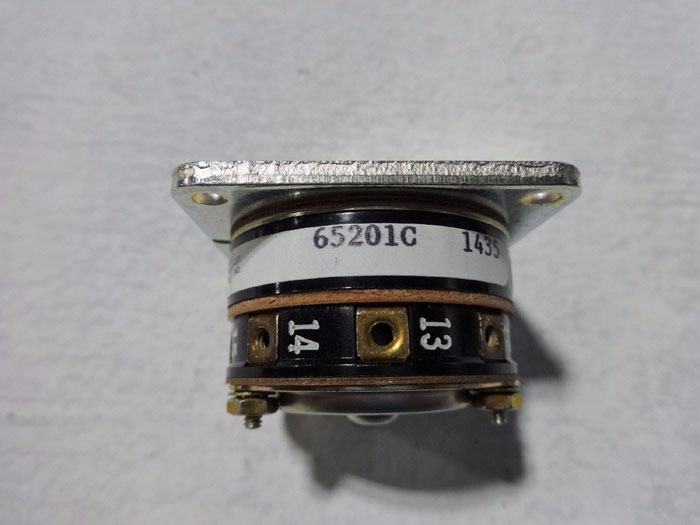 LOT OF (2) ELECTROSWITCH 31 SERIES CONTROL SWITCHES 65201C
