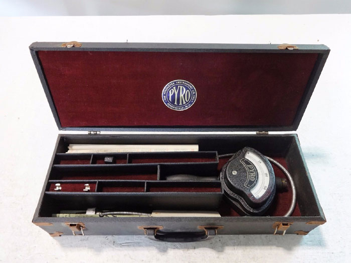 PYROMETER INSTRUMENT CO. SURFACE PYROMETER MODEL 269