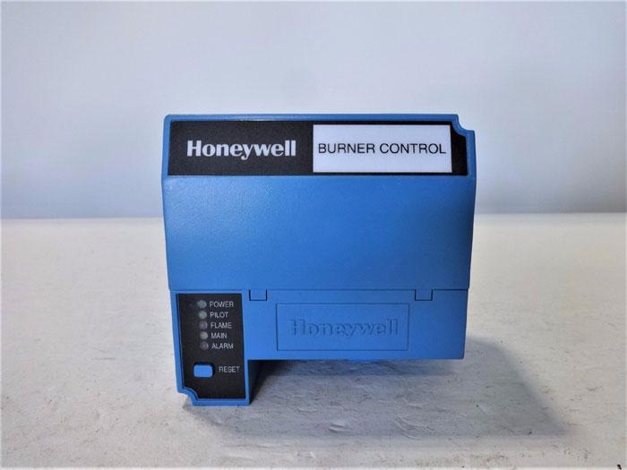 HONEYWELL BURNER CONTROL RM7885 A 1015