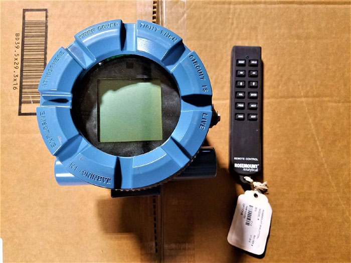 ROSEMOUNT 2-WIRE pH TRANSMITTER W/ REMOTE CONTROL - MODEL 5081-P-HT-67     (A3)