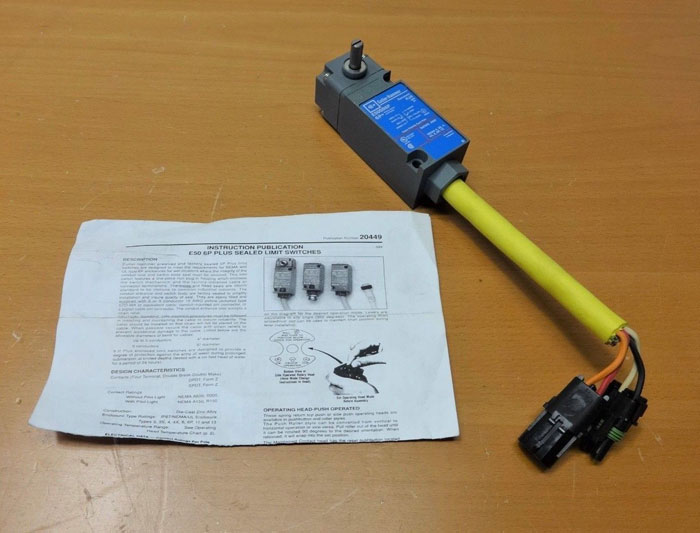 CUTLER HAMMER 6P PLUS SEALED LIMIT SWITCH E50SB6P