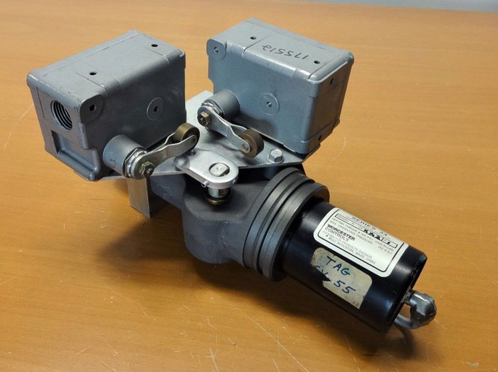 WORCESTER PNEUMATIC VALVE ACTUATOR SERIES 34 MODEL B 34XX2 W/ MICRO SWITCH EX-AR