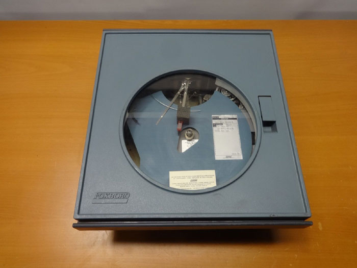 FOXBORO PNEUMATIC CIRCULAR CHART DRIVE RECORDER M/40PR-A4N2-FX1F