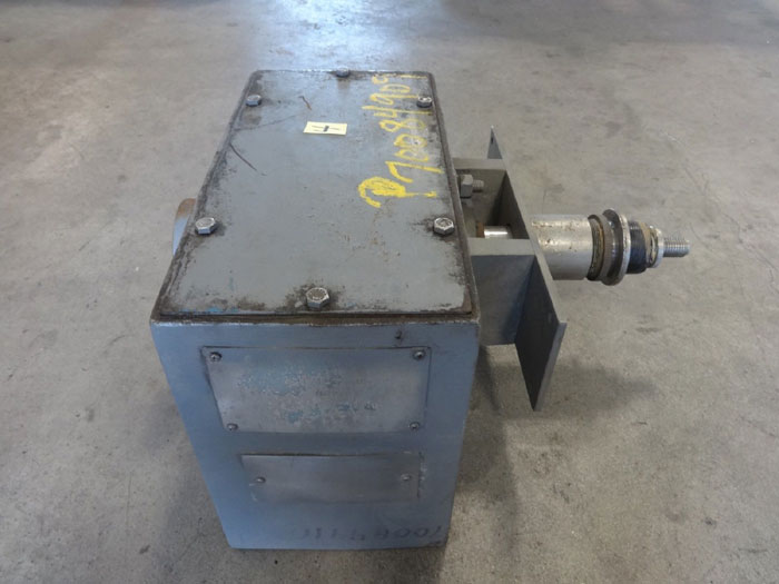 ACRISON 140-18 ADDITIVE FEEDER GEAR BOX #403-30-30-105Z-D