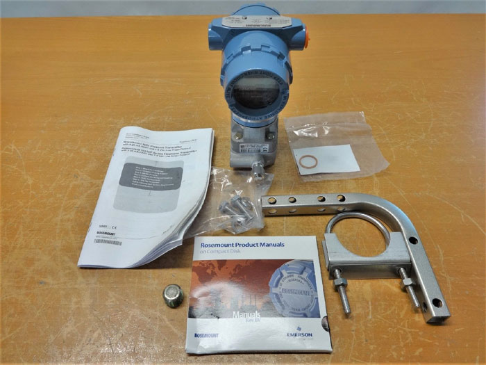 ROSEMOUNT 3051 SMART FAMILY PRESSURE TRANSMITTER W/ HART 3051CD5A22A1AM5B4E5