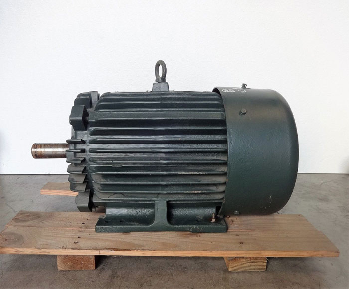 Toshiba 15 HP Premium Efficiency 3-Phase Induction Motor EQP III, B0158YLF2USH