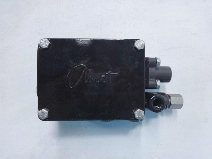 Amot Controls 1672 Pressure Sensing Valve 1672E1F4-UF