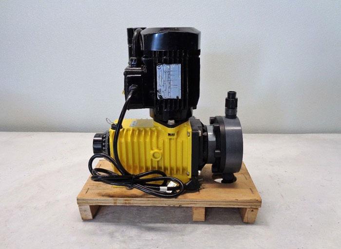 LMI Milton Roy Series M Metering Pump M141