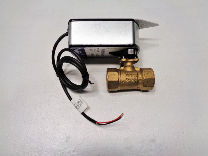 "Johnson Controls 1-1/4"" NPT Actuated Ball Valve VA9208-BGA-3 & VG1241DR+938BGA"