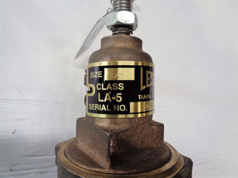 """Leslie 1/2"""" NPT Regulator LA-5, Bronze"""