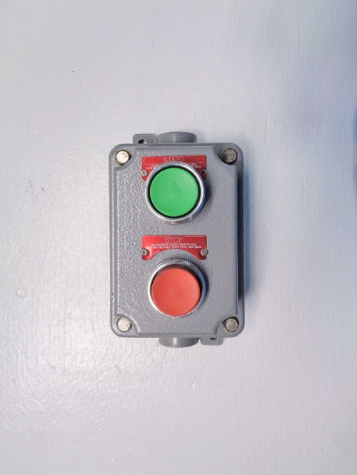 Killark Start Stop Double Push Button Control Station FXCS-5B4-M