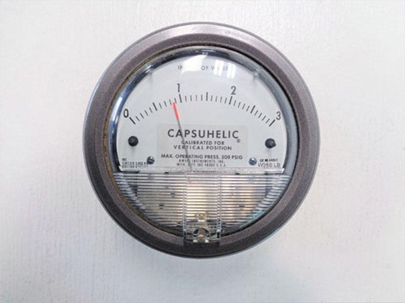 "Dwyer Capsuhelic Differential Pressure Gage 4003 C, Range 0-3"" Water"