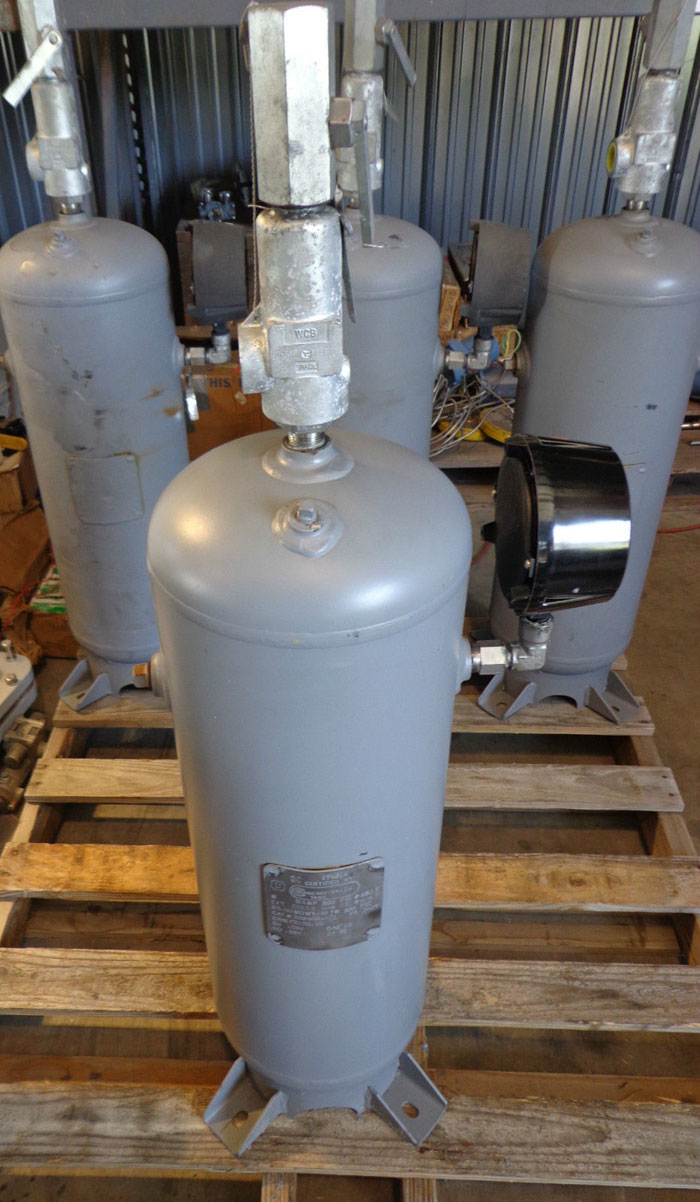 MANCHESTER IN VERTICAL AIR RECEIVER TANK - 10GAL