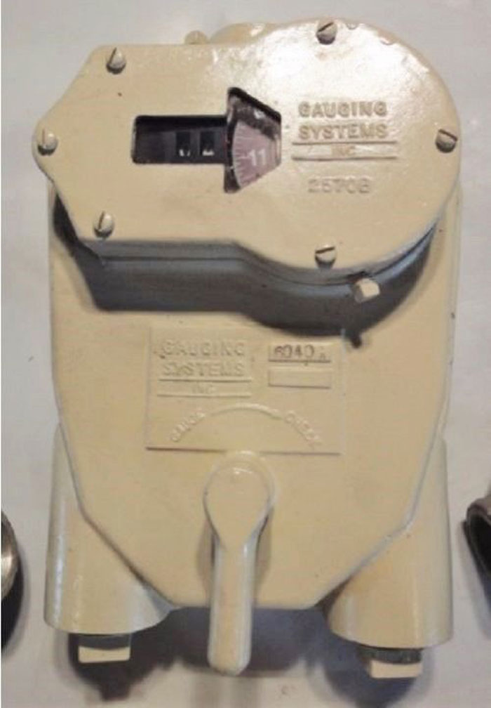 GAUGING SYSTEMS INC AUTOMATIC TANK GAUGE w/ ELBOWS 2570B