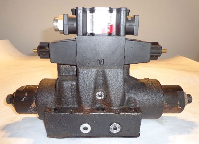 COLUMBIA HYDRAULIC VALVE, MODEL 350414 70X410 or 350416 51X410