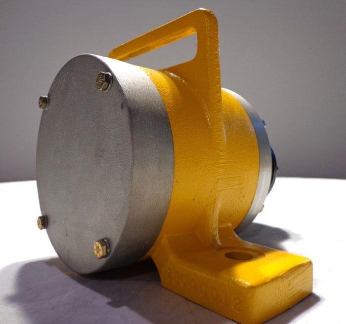 GLOBAL MANUFACTURING PNEUMATIC VIBRATOR - C3-6A-4AC