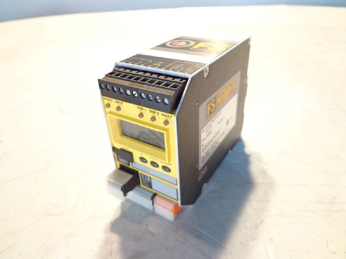MOORE INDUSTRIES FS SERIES PROGRAMMABLE SAFETY TRIP ALARM STA/HLPRG/3PRG/UAC-AO