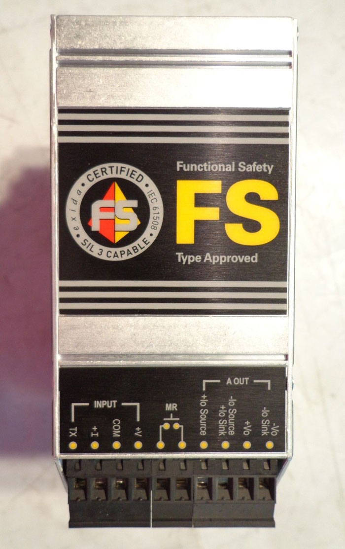 MOORE INDUSTRIES FS FUNCTIONAL SAFETY SERIES PROGRAMMABLE SAFETY TRIP ALARM